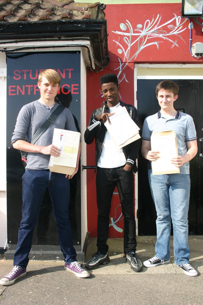 2016_GCSE_Results_Day_11